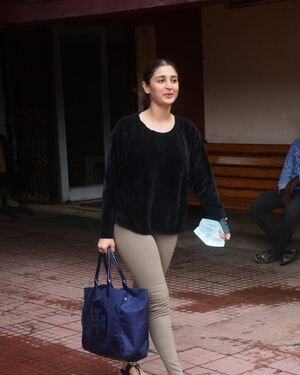 Dhvani Bhanushali - Photos: Celebs Spotted At Gym | Picture 1822860