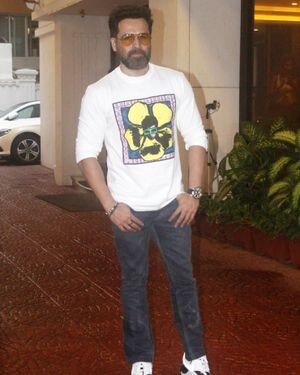 Emraan Hashmi - Photos: Celebs Spotted Outside Anand Pandit Office | Picture 1822849