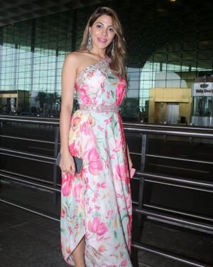 Nikki Tamboli - Photos: Celebs Spotted At Airport | Picture 1823086