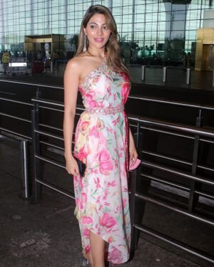 Nikki Tamboli - Photos: Celebs Spotted At Airport | Picture 1823090