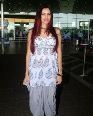 Sonnalli Seygall - Photos: Celebs Spotted At Airport   Picture 1823092