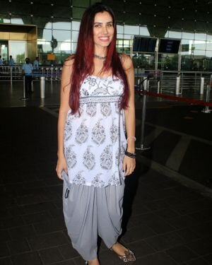 Sonnalli Seygall - Photos: Celebs Spotted At Airport   Picture 1823091