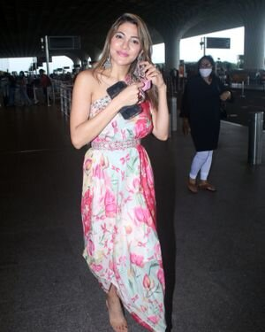 Nikki Tamboli - Photos: Celebs Spotted At Airport | Picture 1823084