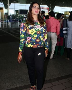 Arshi Khan - Photos: Celebs Spotted At Airport | Picture 1823608