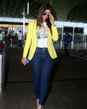 Akanksha Puri - Photos: Celebs Spotted At Airport | Picture 1823601