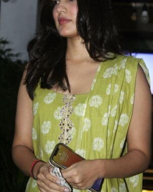 Rhea Chakraborty - Photos: Celebs Spotted At Geetanjali Salon | Picture 1823625