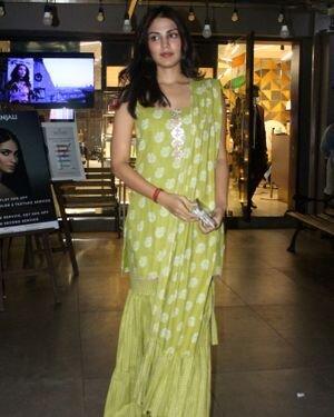 Rhea Chakraborty - Photos: Celebs Spotted At Geetanjali Salon | Picture 1823623