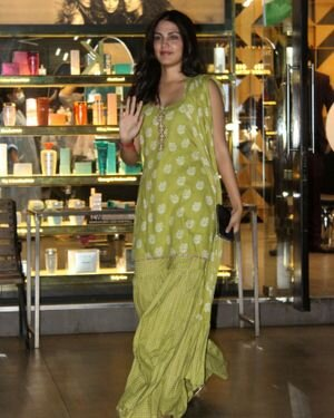Rhea Chakraborty - Photos: Celebs Spotted At Geetanjali Salon | Picture 1823624