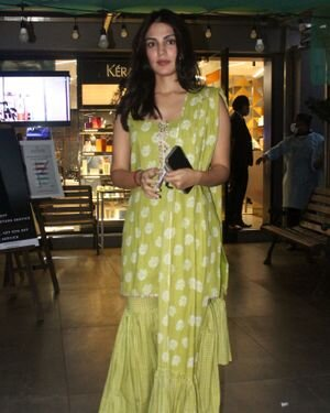 Rhea Chakraborty - Photos: Celebs Spotted At Geetanjali Salon | Picture 1823622