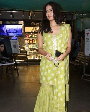 Rhea Chakraborty - Photos: Celebs Spotted At Geetanjali Salon | Picture 1823619