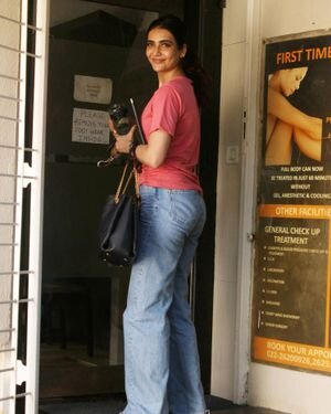 Karishma Tanna - Photos: Celebs Spotted At Juhu | Picture 1823613