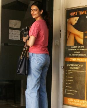 Karishma Tanna - Photos: Celebs Spotted At Juhu | Picture 1823612