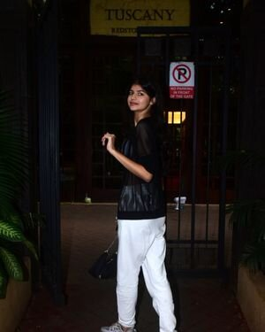 Anjini Dhawan - Photos: Celebs Spotted At Bandra   Picture 1824828