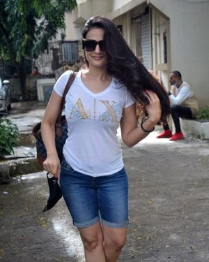 Ameesha Patel - Photos: Celebs Spotted At Kromakay Salon | Picture 1824775