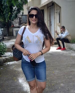 Ameesha Patel - Photos: Celebs Spotted At Kromakay Salon | Picture 1824788