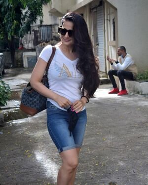 Ameesha Patel - Photos: Celebs Spotted At Kromakay Salon | Picture 1824777
