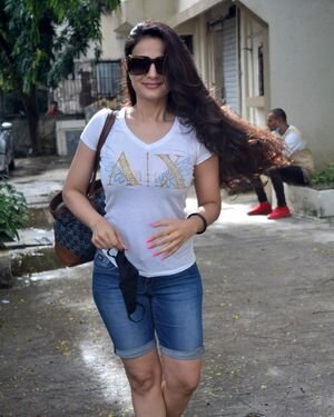 Ameesha Patel - Photos: Celebs Spotted At Kromakay Salon | Picture 1824772