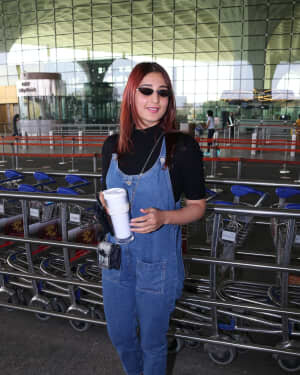 Dhvani Bhanushali - Photos: Celebs Spotted At Airport | Picture 1771367