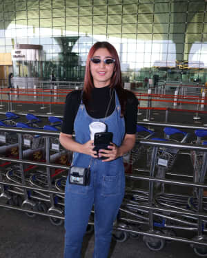 Dhvani Bhanushali - Photos: Celebs Spotted At Airport | Picture 1771364