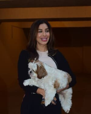 Sophie Choudry - Photos: Celebs Spotted At Bandra | Picture 1771301