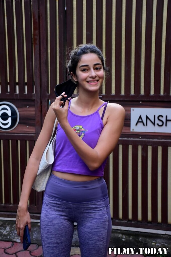 Ananya Panday - Photos: Celebs Spotted At Yoga Class   Picture 1771337