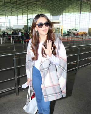 Hansika Motwani - Photos: Celebs Spotted At Airport