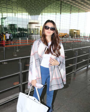 Hansika Motwani - Photos: Celebs Spotted At Airport | Picture 1773703