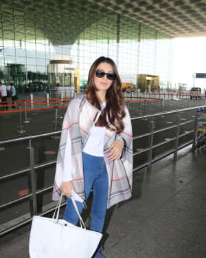 Hansika Motwani - Photos: Celebs Spotted At Airport | Picture 1773706