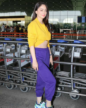 Sandeepa Dhar - Photos: Celebs Spotted At Airport | Picture 1774724
