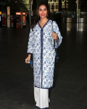 Sophie Choudry - Photos: Celebs Spotted At Airport