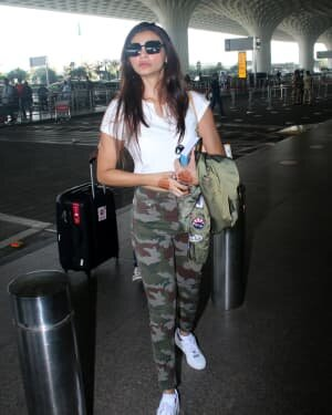Daisy Shah - Photos: Celebs Spotted At Airport | Picture 1776349