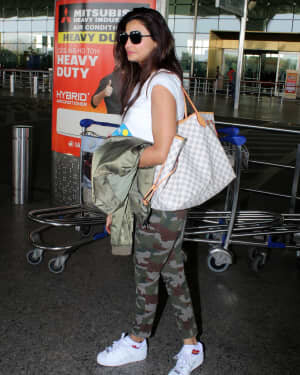 Daisy Shah - Photos: Celebs Spotted At Airport | Picture 1776347