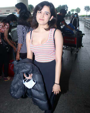 Shirley Setia - Photos: Celebs Spotted At Airport