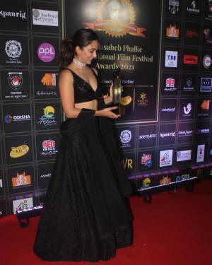 Kiara Advani - Photos: Celebs At Dadasaheb Phalke Awards 2021 | Picture 1776703