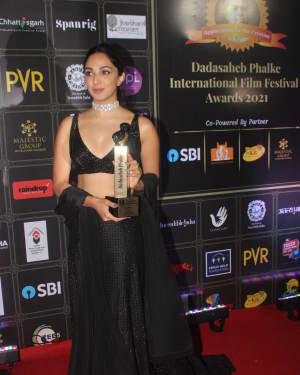 Kiara Advani - Photos: Celebs At Dadasaheb Phalke Awards 2021