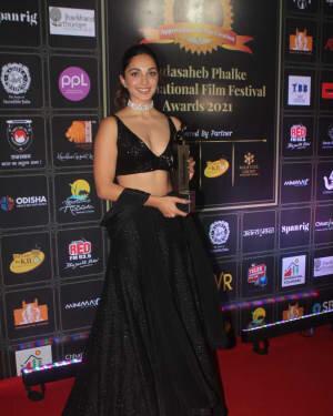 Kiara Advani - Photos: Celebs At Dadasaheb Phalke Awards 2021 | Picture 1776705