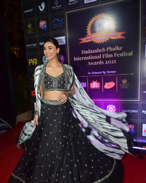 Daisy Shah - Photos: Celebs At Dadasaheb Phalke Awards 2021 | Picture 1776626