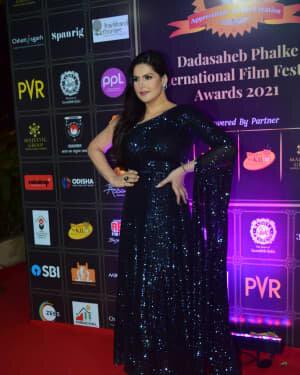 Zareen Khan - Photos: Celebs At Dadasaheb Phalke Awards 2021 | Picture 1776647