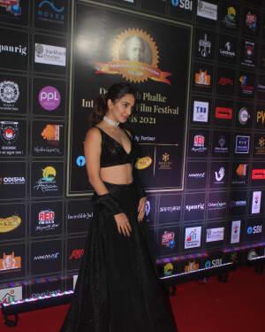 Kiara Advani - Photos: Celebs At Dadasaheb Phalke Awards 2021 | Picture 1776689