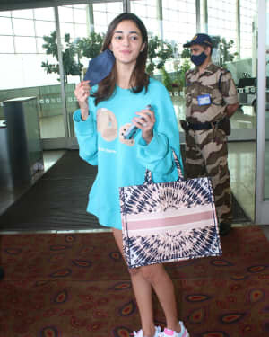 Ananya Panday - Photos: Celebs Spotted At Airport