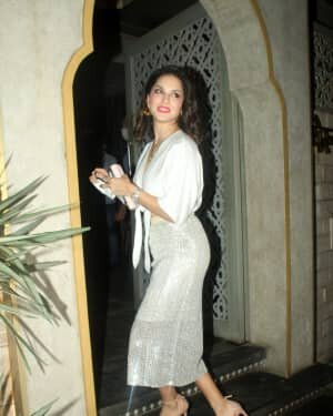 Sunny Leone - Photos: Celebs Spotted At Juhu   Picture 1763724