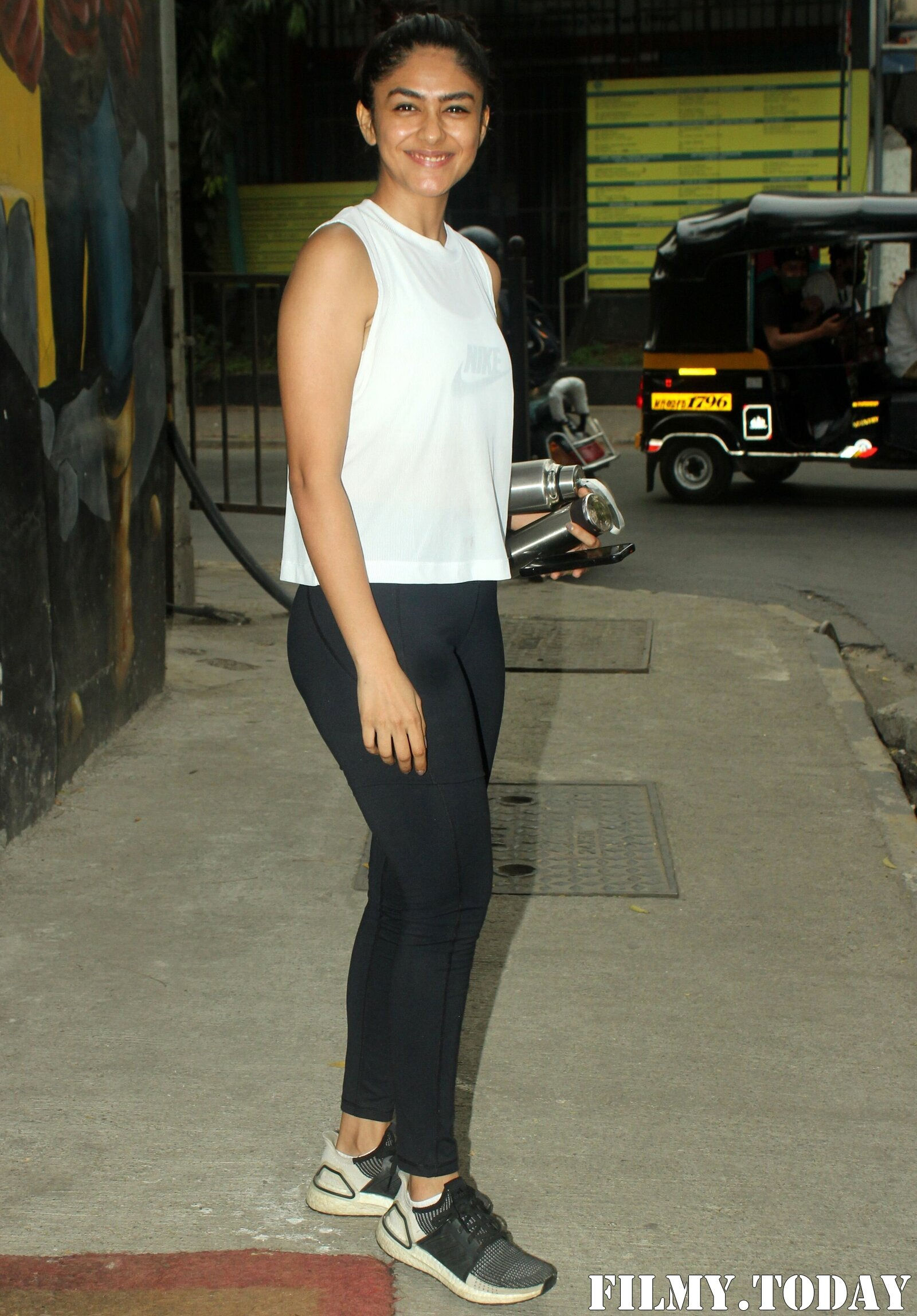 Mrunal Thakur - Photos: Celebs Spotted At Gym | Picture 1764113