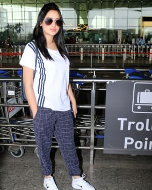 Mahira Sharma - Photos: Celebs Spotted At Airport