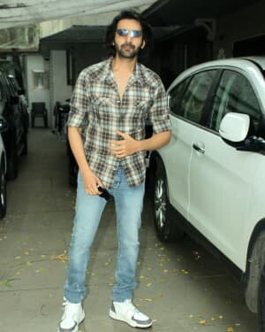 Kartik Aaryan - Photos: Celebs Spotted At Juhu | Picture 1765966