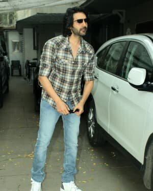 Kartik Aaryan - Photos: Celebs Spotted At Juhu | Picture 1765967