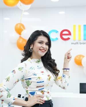 Photos: Mannara Chopra Unveils Xiaomi Mi10i Smartphone | Picture 1765975