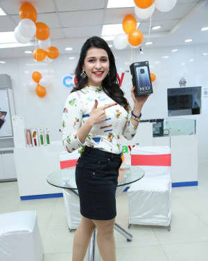 Photos: Mannara Chopra Unveils Xiaomi Mi10i Smartphone | Picture 1765977