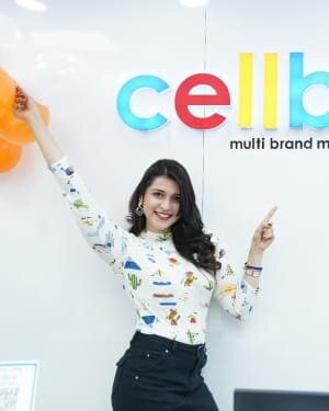 Photos: Mannara Chopra Unveils Xiaomi Mi10i Smartphone | Picture 1765976