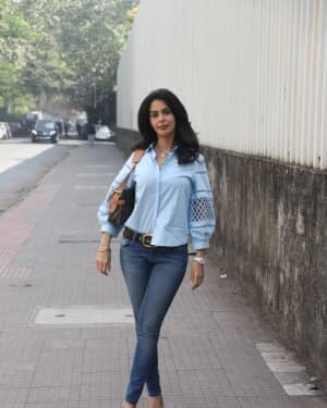 Mallika Sherawat - Photos: Celebs Spotted At Andheri | Picture 1767939