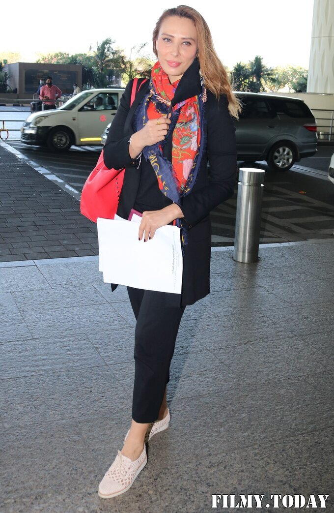 Lulia Vantur - Photos: Celebs Spotted At Airport   Picture 1768680